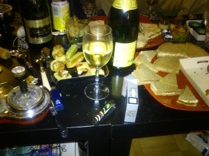 Champagne et petits fours